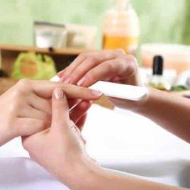 Manucure complète de vos mains + pose de vernis